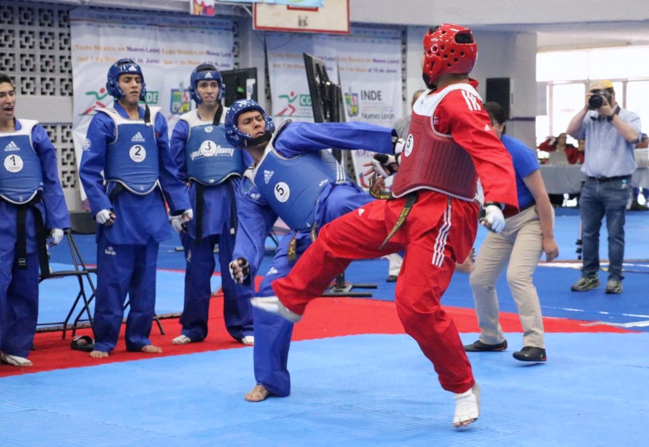 Foto: Taekwondo Mixed Teams fight Kyorugi